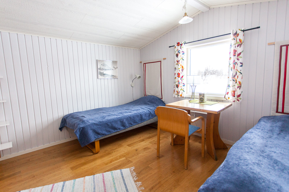 Small 2-bed cabins